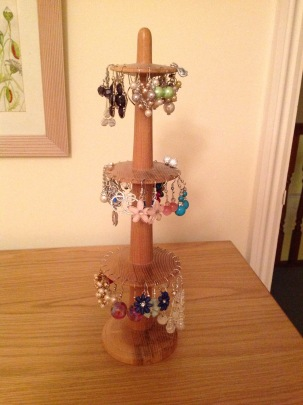 Ash earring stand